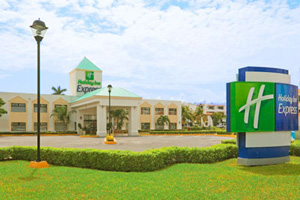 Hotel Holiday Inn Express Cancun, Small Hotels Cancun